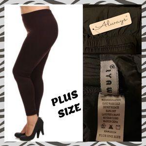 Pants - PLUS SIZE FULL LENGTH LEGGINGS - BLACK• OS